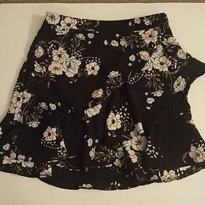 Dresses & Skirts - Ruffle Floral Skirt